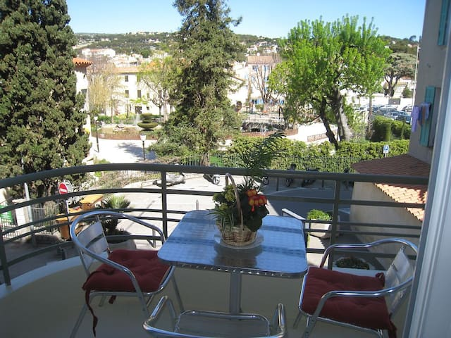 Air-conditioned studio view park and garage - Cassis