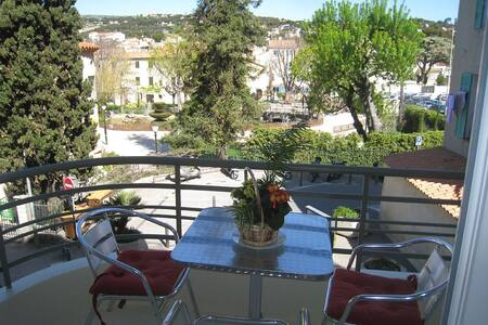 Air-conditioned studio view park and garage - Cassis - Appartement