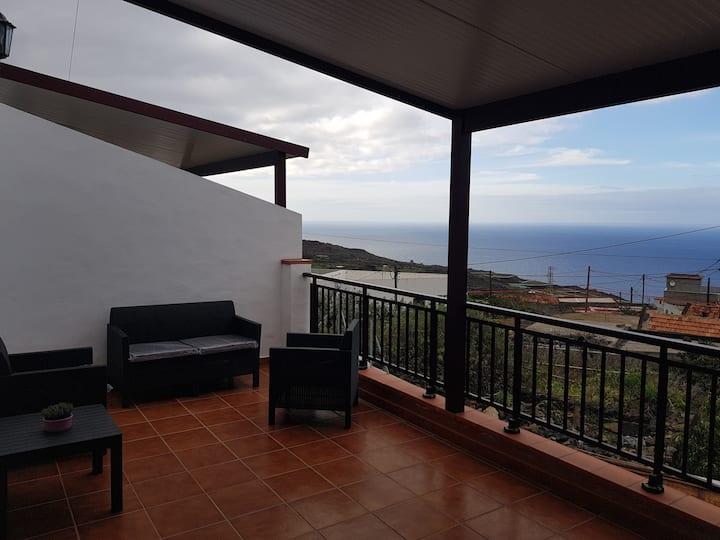 Apartamento AZOFA (Terraza privada)