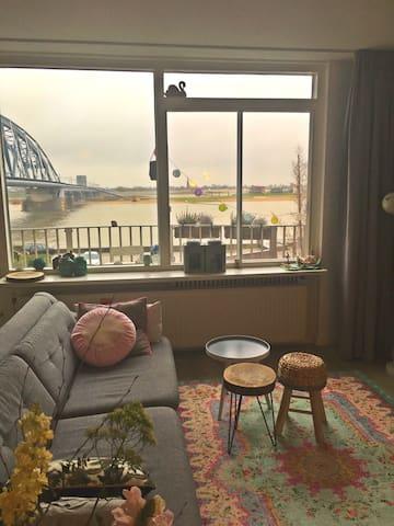 Ruim appartement direct aan de Waal - Nijmegen - Apartmen