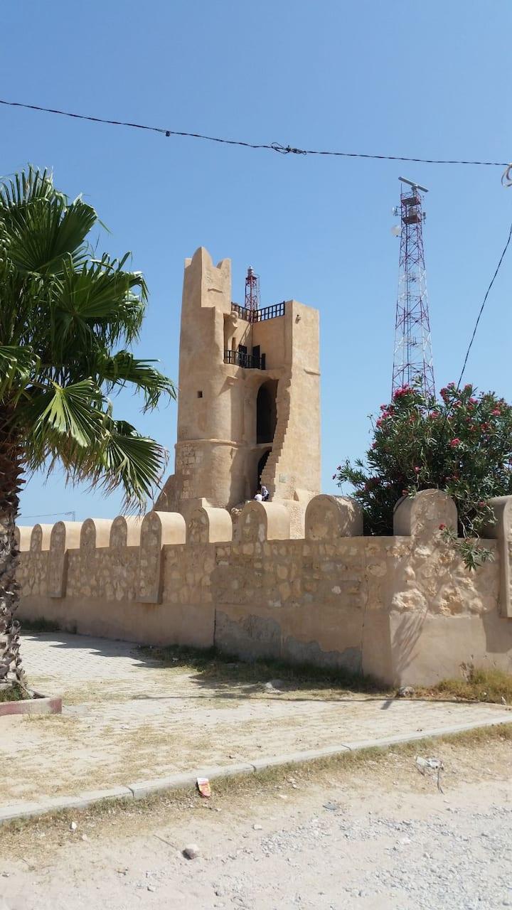 Appartement à côté de la plage. Chebba (Mahdia)