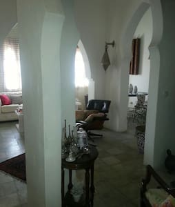 Room in a wonderful house in tanger - Casa