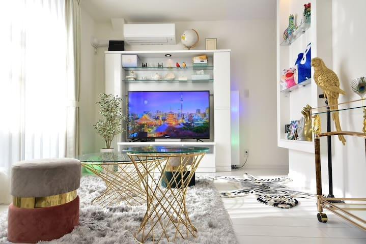 Living Room & 3Bedroom + Loft. Max 13ppl.