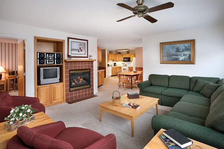 Wyndham Smuggler's Notch Resort ~ 2B ~ Sleeps 8