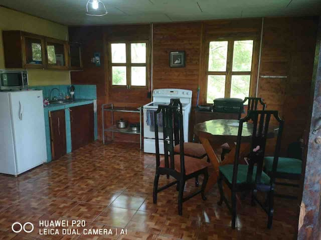 Peacefull Family place in the heart of Cahuita