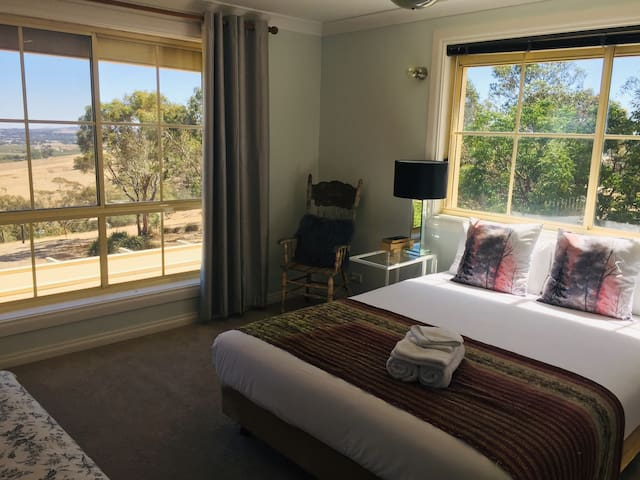 Balcony Suite Overlooking the Barossa