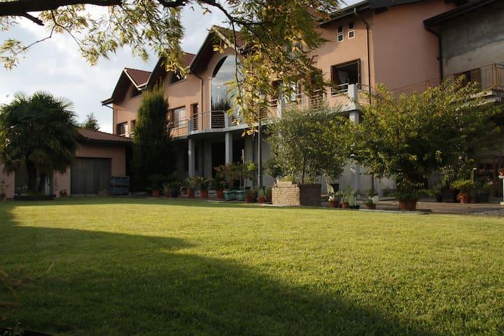 Residenza Tomasini - Cardano Al Campo - Apartemen