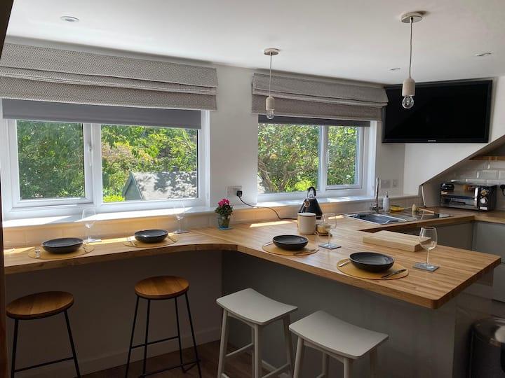 New Studio Apartment in a peaceful area of Bangor