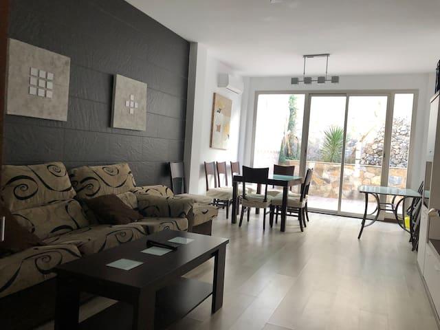 Casa moderna con 5 habitaciones todo muy amplio