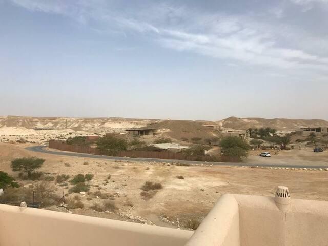 בית מפנק בלב המדבר