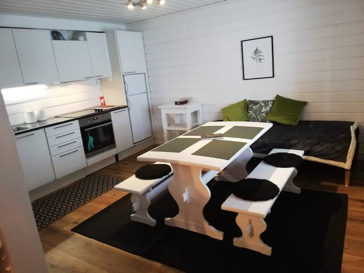 Lovely getaway cottage for couples