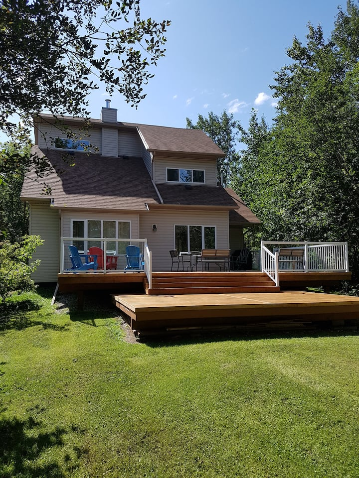 Lakefront Retreat at Jackfish Lake