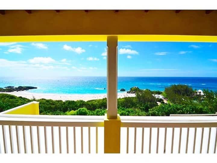 Horseshoe Bay Villa with breathing taking views!!