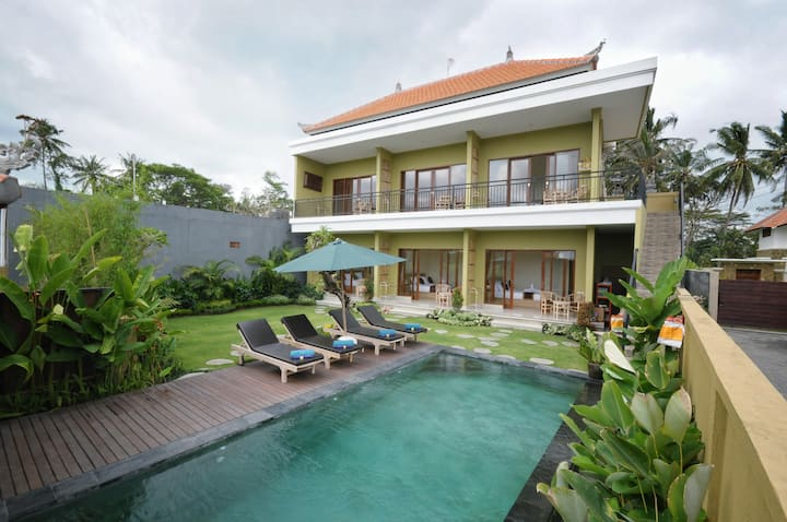 Jegeg Mas Ubud ( superior king bed )
