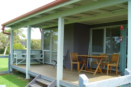 Montague Cottage Mystery Bay - Corunna