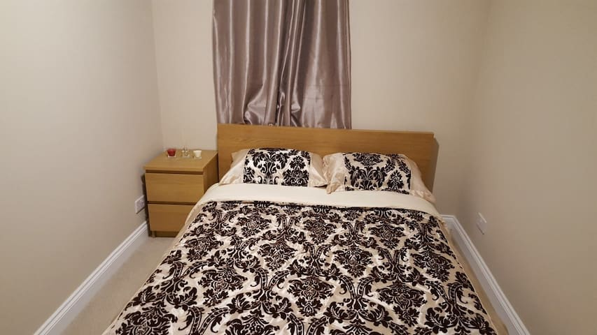 Luxurious Place, Stratford, 6 people, London