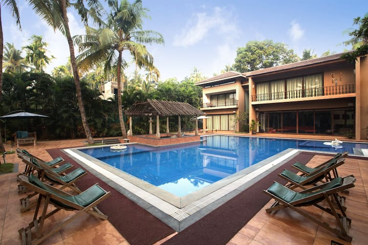 Casa del Palms, 4BHK Pool Villa with Games House