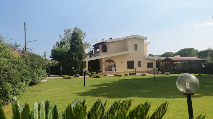 Villa on 2 levels with garden