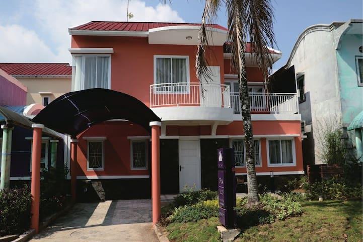 Villa luxury 3 kamar ciloto puncak