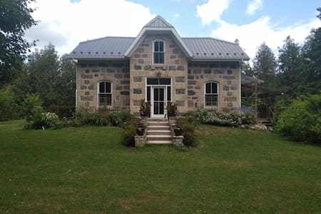 Estate, Secluded On the Grand River.