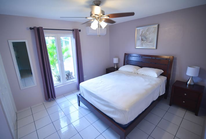 Medlock Guest House near to Turtle Farm