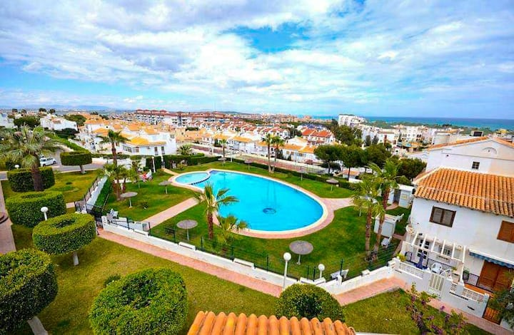 2-floor apartment, 200 m beach, roof terrace