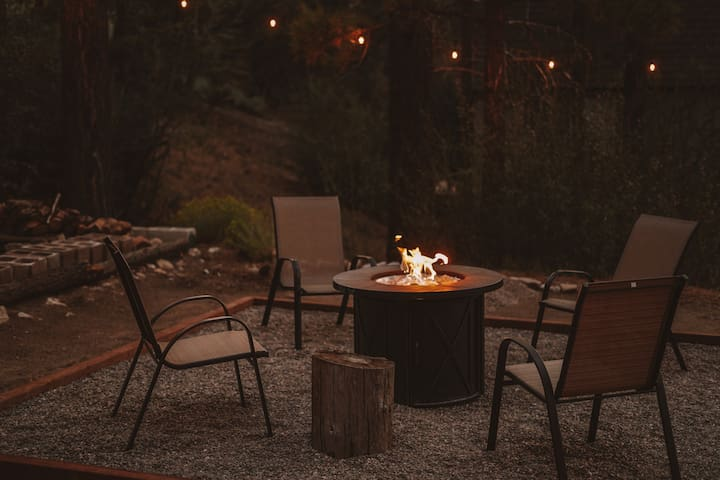 Cozy Cabin Escape w/ BBQ and Firepit!