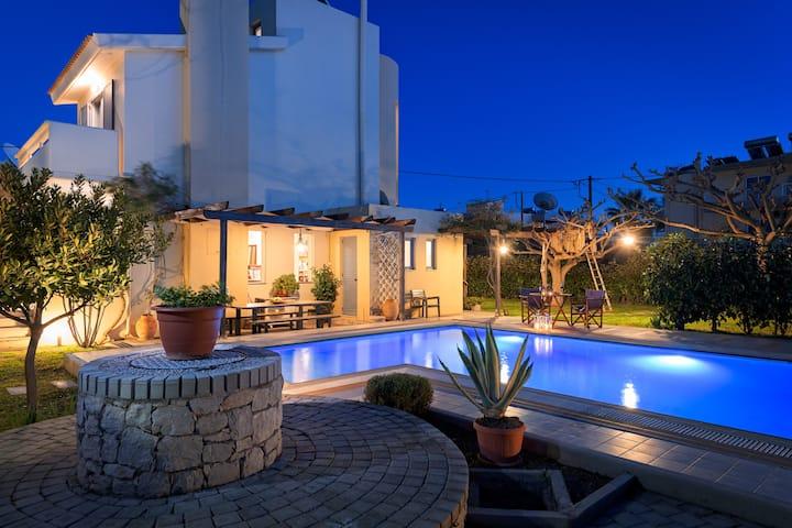 Villa Silvana - Luxury 3BDs Pool Villa near Rhodes