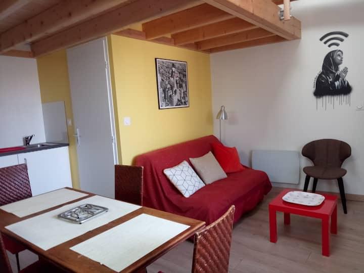 Studio calme proximité Grenoble, parking privé