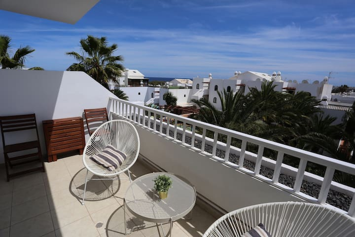 "Apartment ""Caracola"". Sea views,  beach nearby."