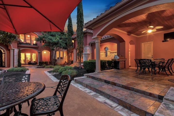 Courtyard with Outdoor Entertaining Space