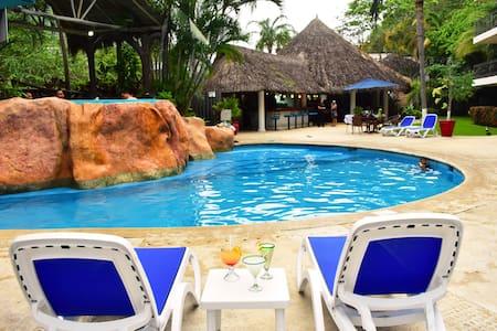 Suite 2 bedroom Pool View Casa Iguana Mismaloya