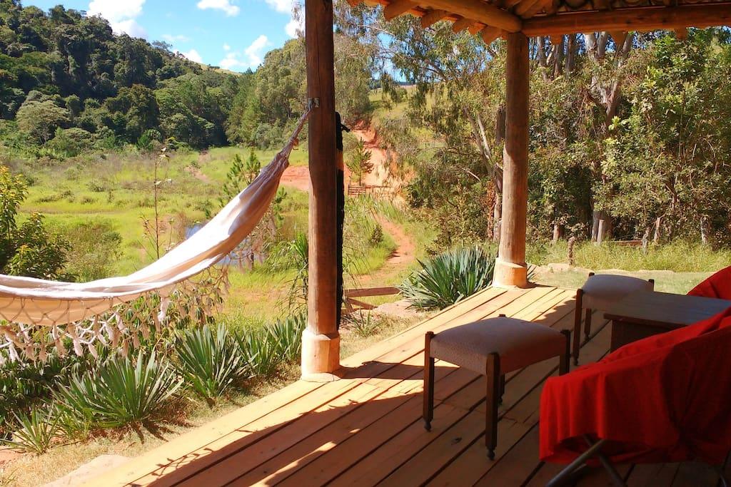 vista da varanda para a RPPN São Pedro II, onde fica a pequena cachoeira do São Pedro