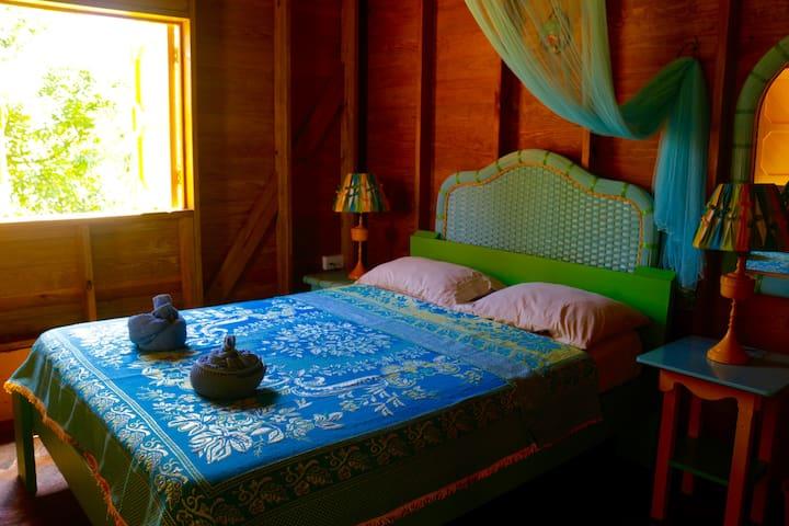 Mango - Beyond Vitality Nature Camp - Castle Bruce - Cabaña en la naturaleza