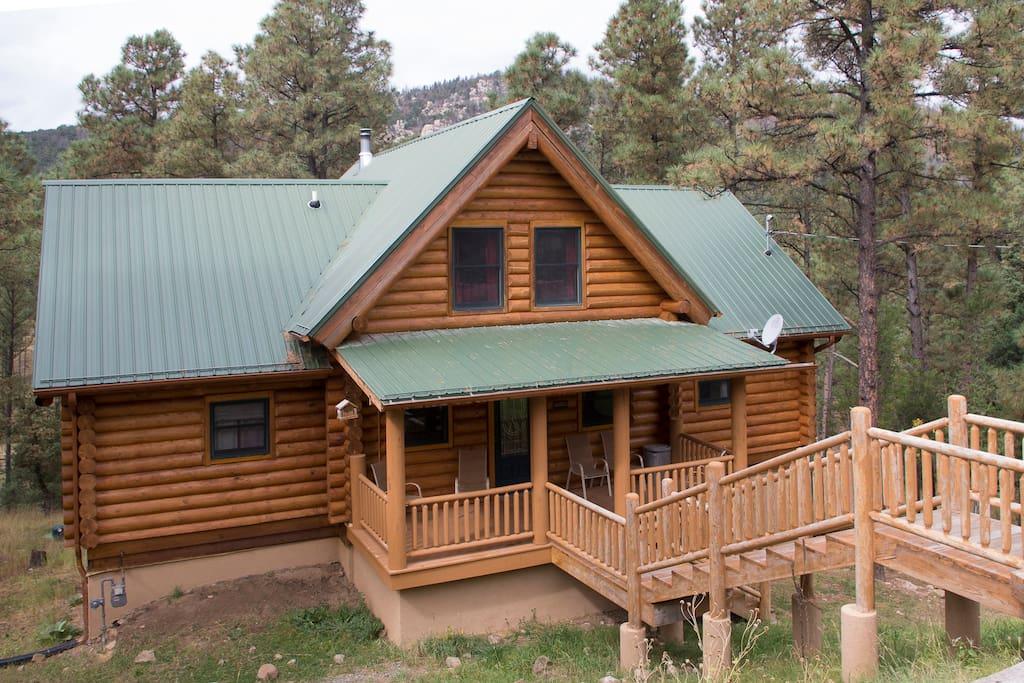4 Bears Cabin - Street View