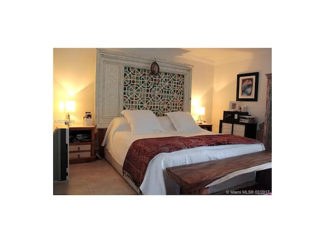 Key Biscayne in private room.