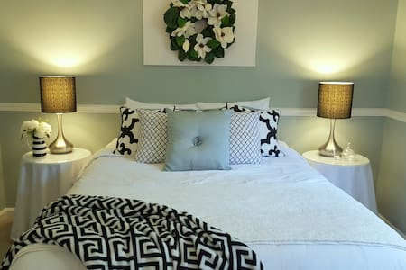 Gorgeous Guest Suite - Private, Comfy Queen bed - Little Rock