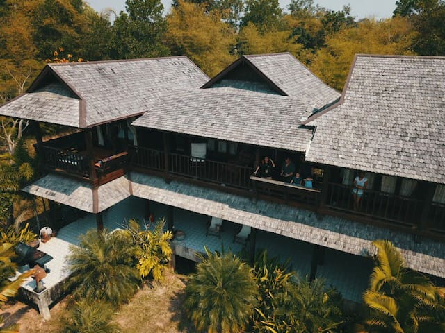 Traditional 3 bedrooms Thai House