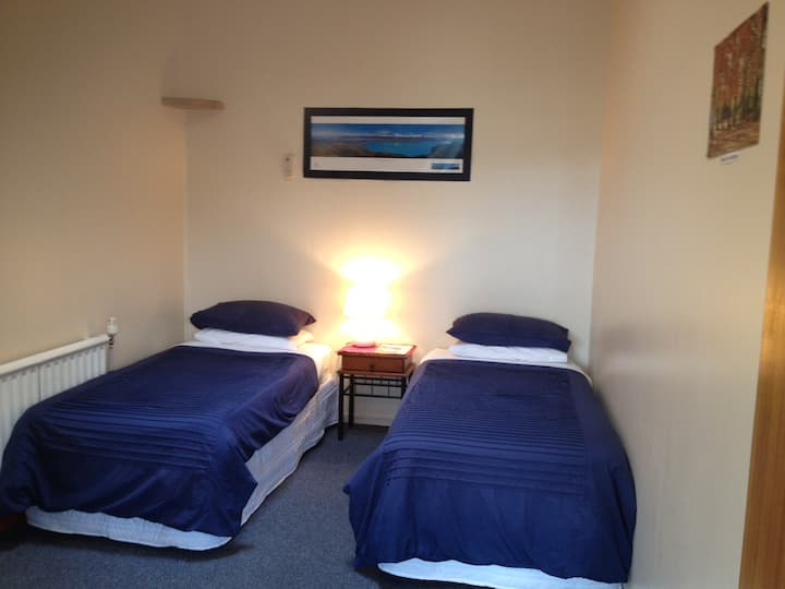 Rawhiti - Comfy, Clean and Quiet - $84  Room 5