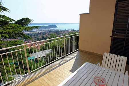 SB23 Room with balcony and sea view - Lucija - Bed & Breakfast