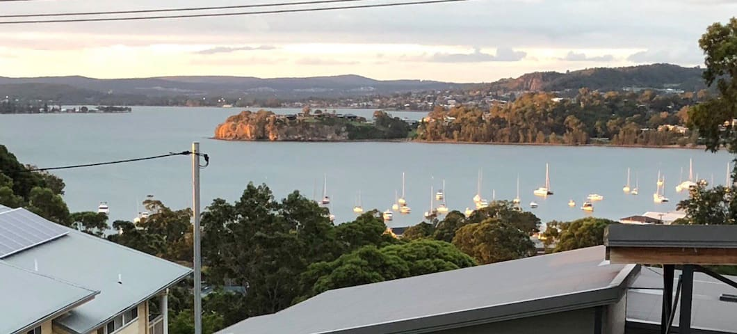 Views Galore - Large Family House