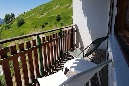 Joli T3, 2 chambres, balcon vue imprennable 4 Pers
