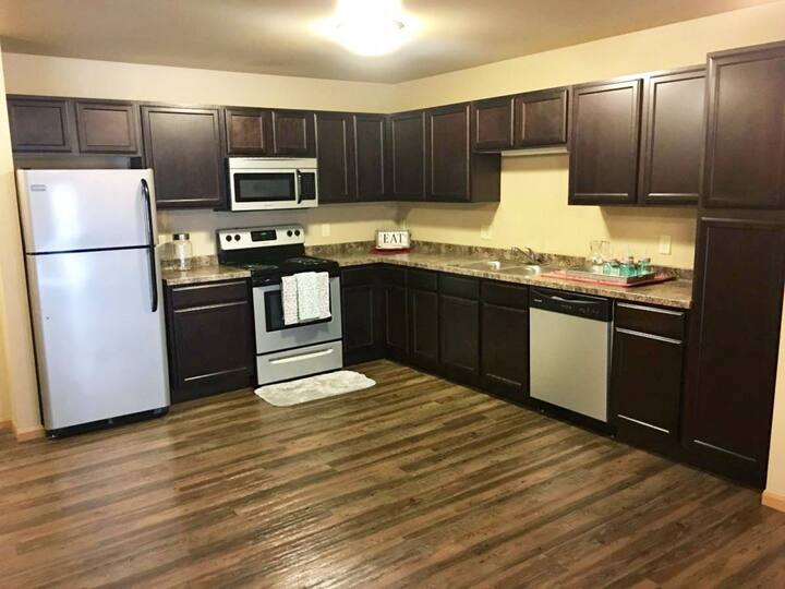 Everything you need   3BR in Watford City