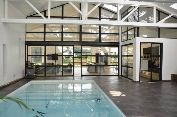 MAGNIFIQUE LOFT - piscine intérieure chauffée