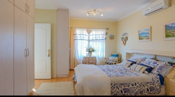Lavender Breeze, self catering two bedroom house