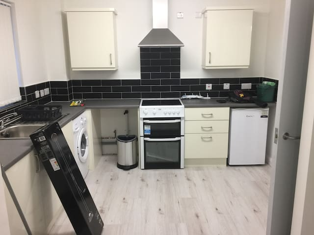 Chilled, private quiet gd flr flat with parking. - Bangor - Apartment