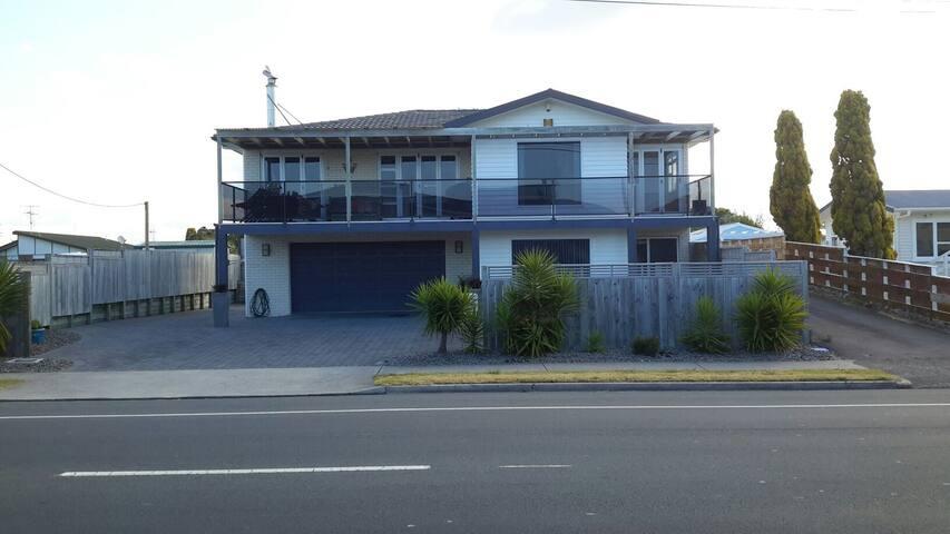 Spacious apartment , 200 m to beach