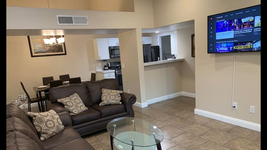 Brand new remodeled apartment with 2 beds & 2 bath