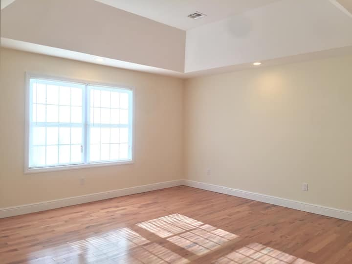 Beautiful & Spacious Room in Central New Jersey