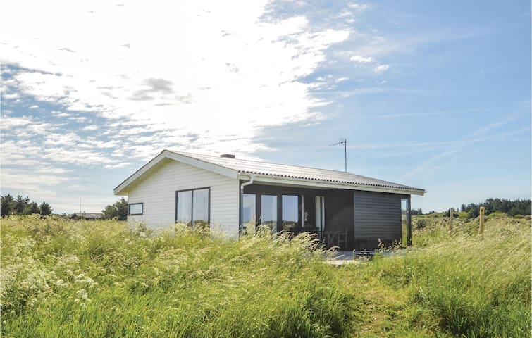Holiday cottage with 2 bedrooms on 59m² in Hjørring